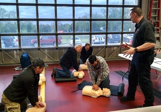 Villa Park Citizens Fire Academy participants learn CPR