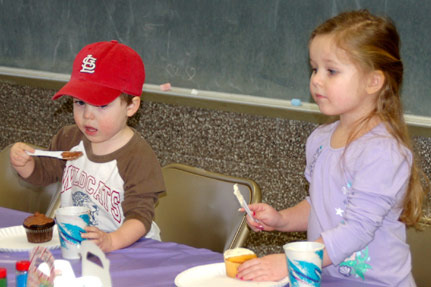 Kids Enjoying some Cup Cakes